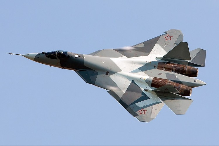 Chua kip bien che Su-57 Nga suyt roi, phai ha canh khan cap-Hinh-2