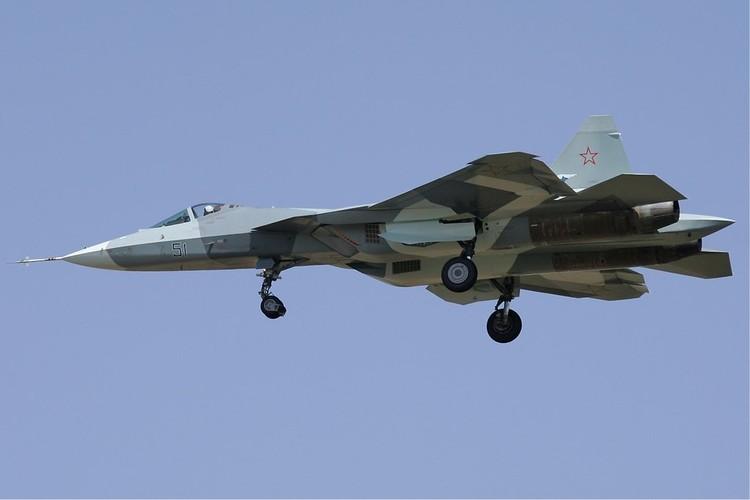 Chua kip bien che Su-57 Nga suyt roi, phai ha canh khan cap-Hinh-3