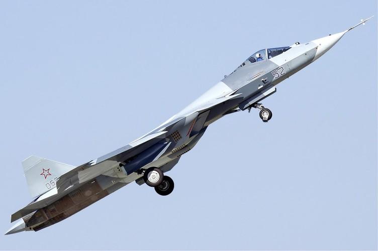 Chua kip bien che Su-57 Nga suyt roi, phai ha canh khan cap-Hinh-5