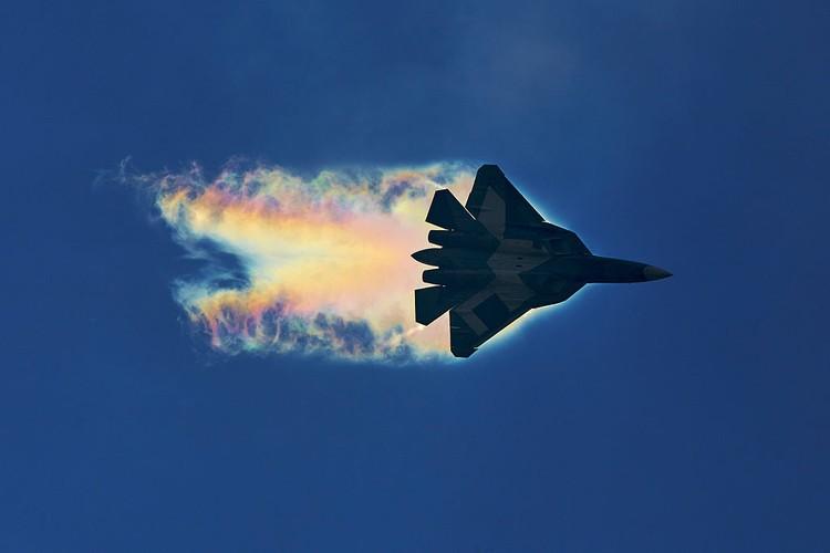 Chua kip bien che Su-57 Nga suyt roi, phai ha canh khan cap-Hinh-7
