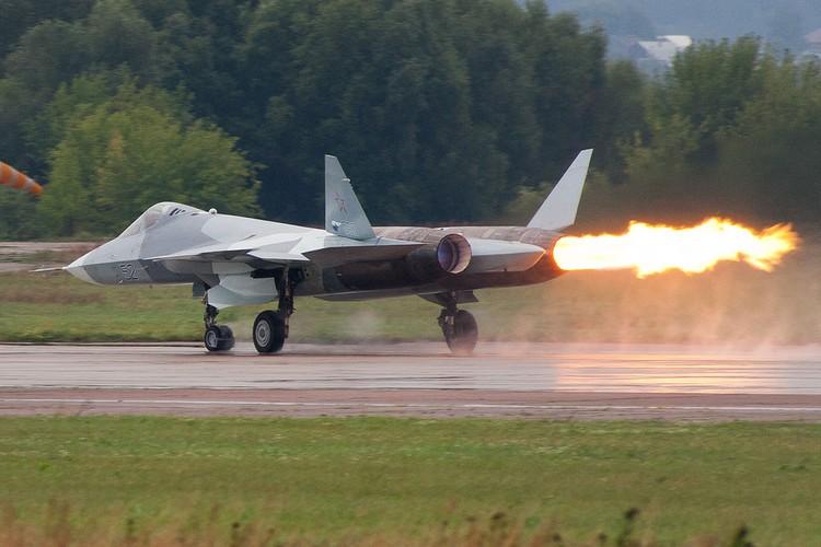 Chua kip bien che Su-57 Nga suyt roi, phai ha canh khan cap-Hinh-8