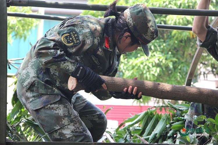 Muc kich nu dac cong Trung Quoc pho dien kha nang chien dau-Hinh-9