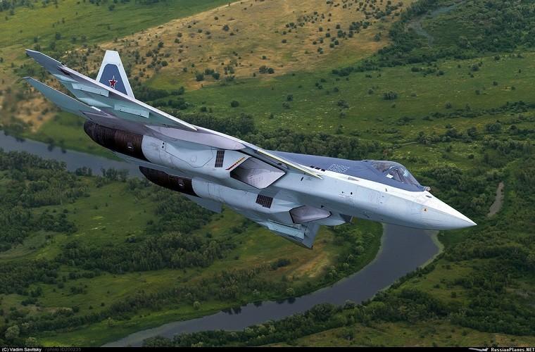Chua kip bien che Su-57 Nga suyt roi, phai ha canh khan cap-Hinh-11