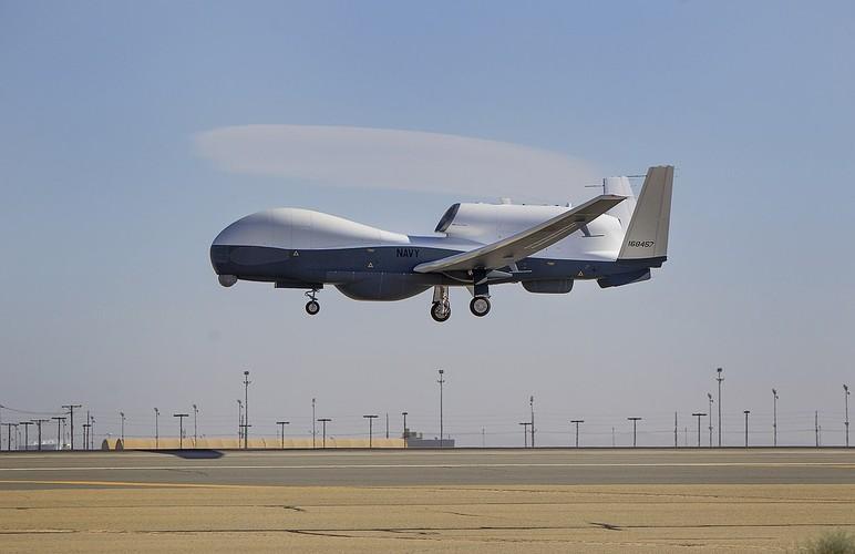 """Han Quoc chi tien mua UAV """"khung"""" de theo doi Treu Tien-Hinh-8"""