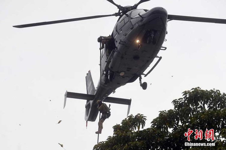Biet doi Phi Ho guong mat cua luc luong an ninh Hong Kong-Hinh-9