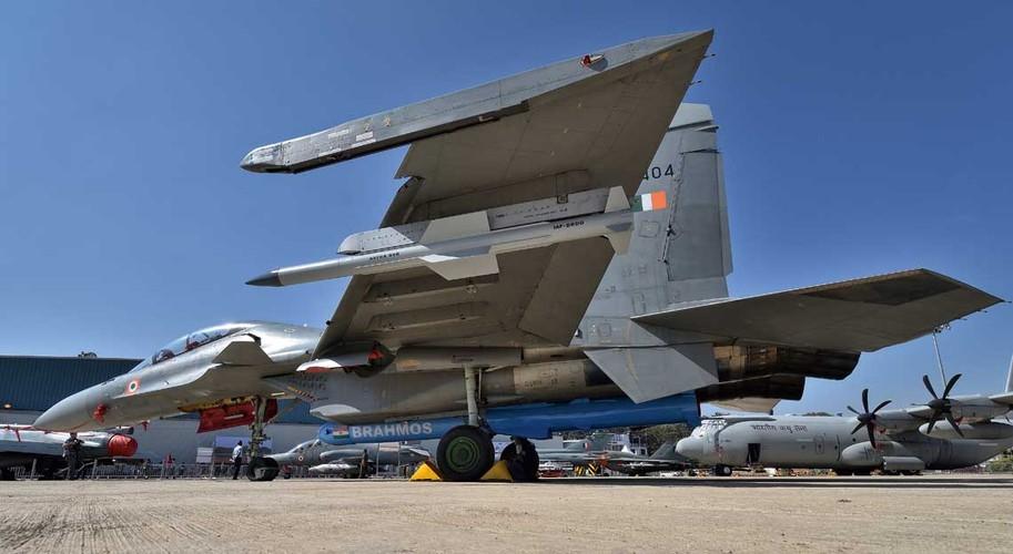 "Su-30MKI An Do da ""treo"" duoc BrahMos, lieu Su-30MK2 Viet Nam co the?-Hinh-10"