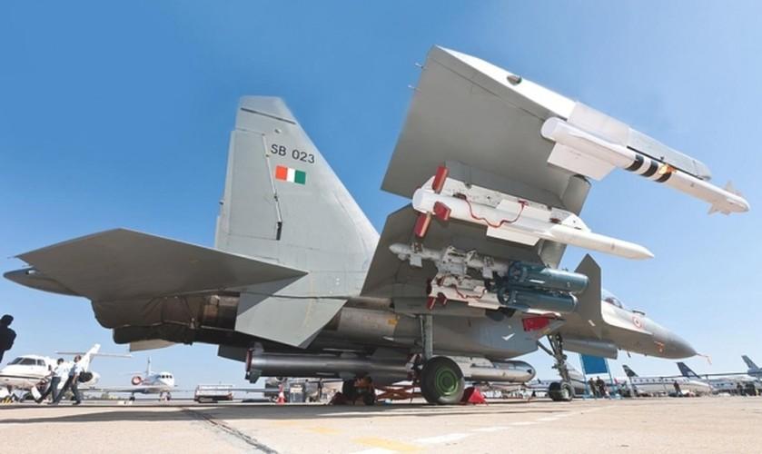 """Su-30MKI An Do da """"treo"""" duoc BrahMos, lieu Su-30MK2 Viet Nam co the?"""
