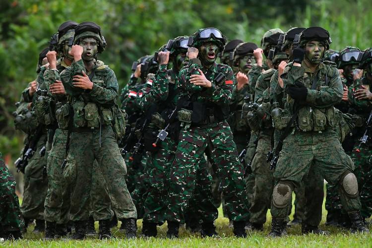 Muc kich lien quan Indonesia va Singapore dot kich giai cuu con tin