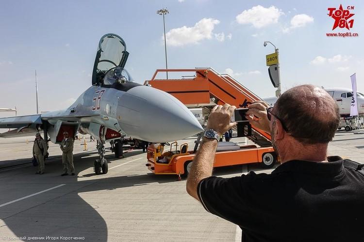 """Phi cong My """"ngan ngo"""" ngam Su-35 cua Nga-Hinh-5"""