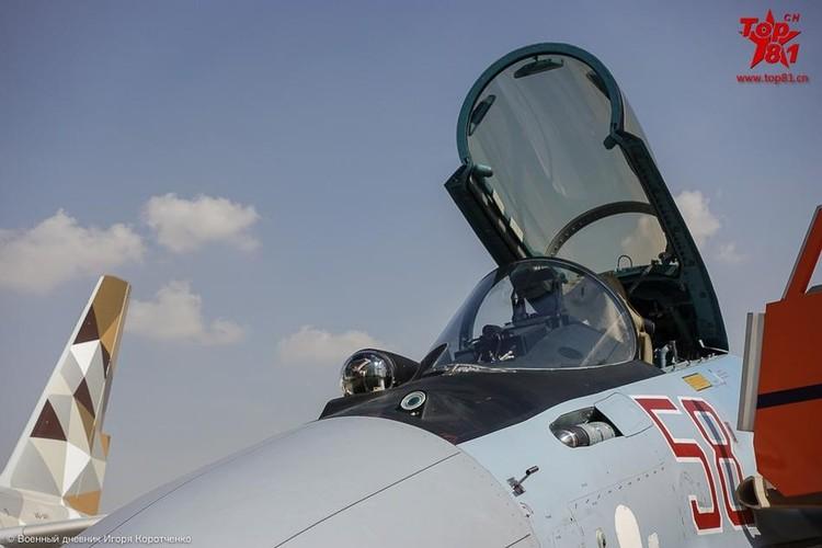 """Phi cong My """"ngan ngo"""" ngam Su-35 cua Nga-Hinh-9"""