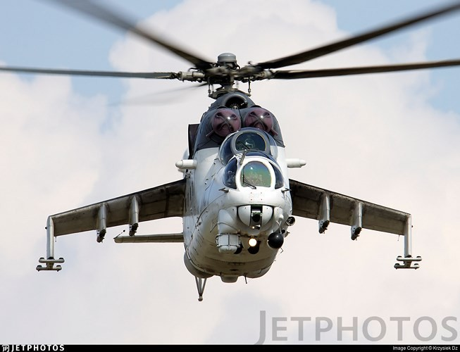 "Chum anh: Suc manh ""sieu"" truc thang tan cong Mi-35M-Hinh-4"
