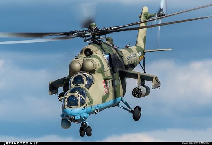 "Chum anh: Suc manh ""sieu"" truc thang tan cong Mi-35M-Hinh-8"