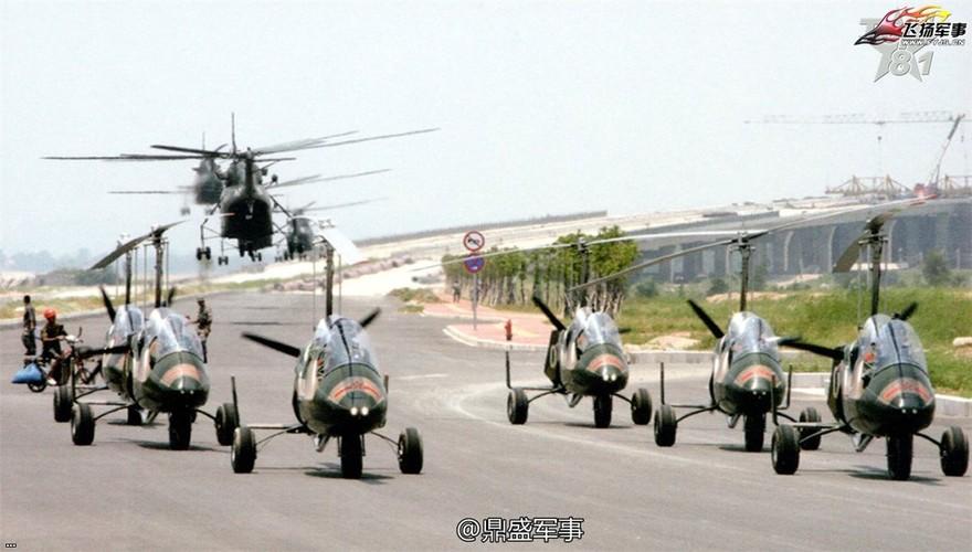 Đặc nhiệm Trung Quốc bắt chước vũ khí điệp viên 007