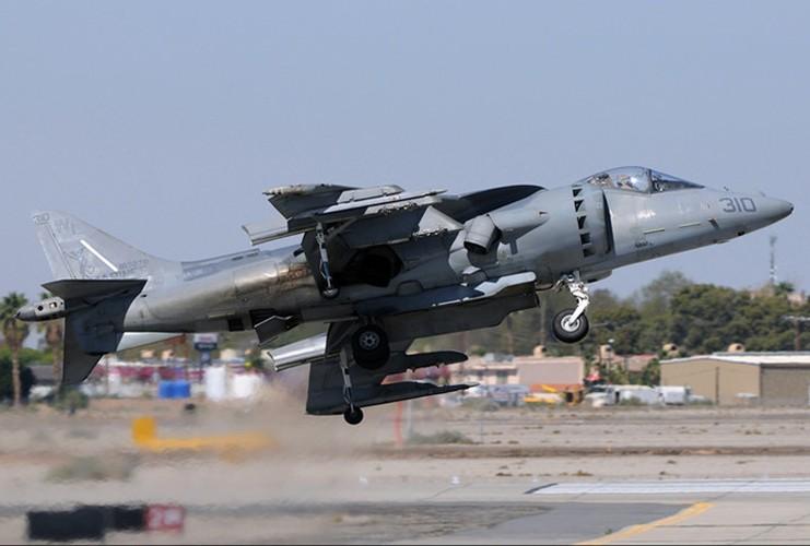 La ky chien dau co AV-8B co the bay nhu truc thang-Hinh-11