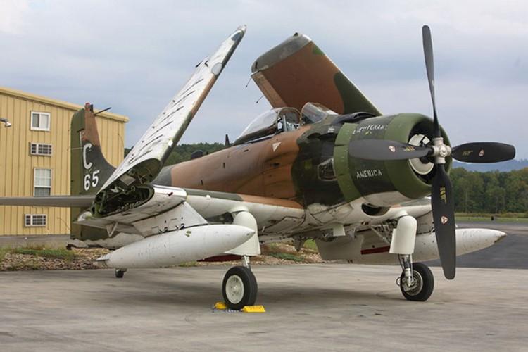 Kham pha cuong kich A-1H Skyraider tung tham chien o Dong Duong-Hinh-10