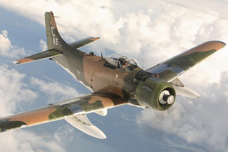 Kham pha cuong kich A-1H Skyraider tung tham chien o Dong Duong-Hinh-4