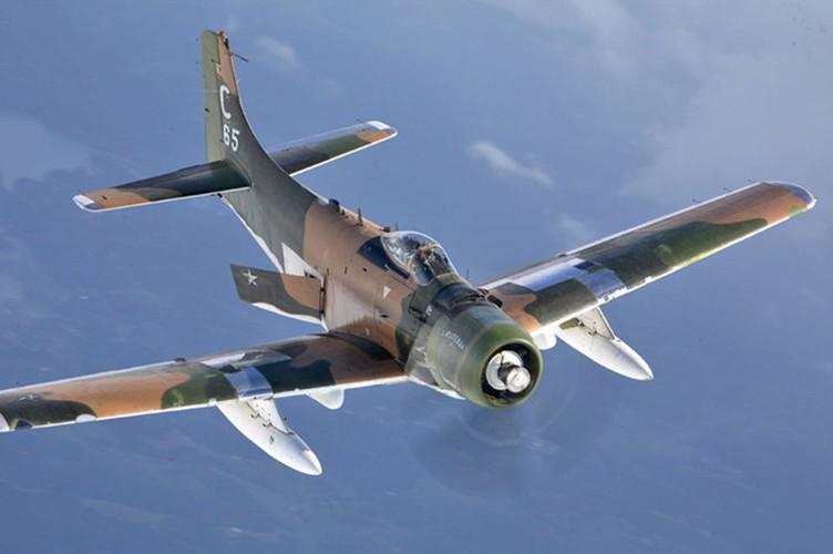 Kham pha cuong kich A-1H Skyraider tung tham chien o Dong Duong-Hinh-9