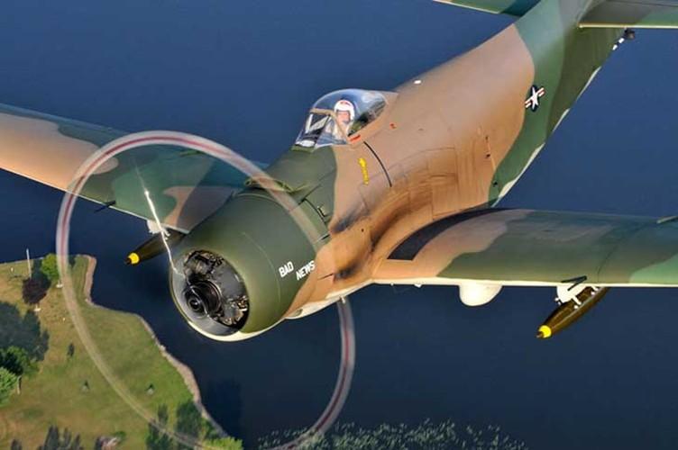May bay cuong kich AD-1 Skyraider nhin tu nhieu goc do-Hinh-4