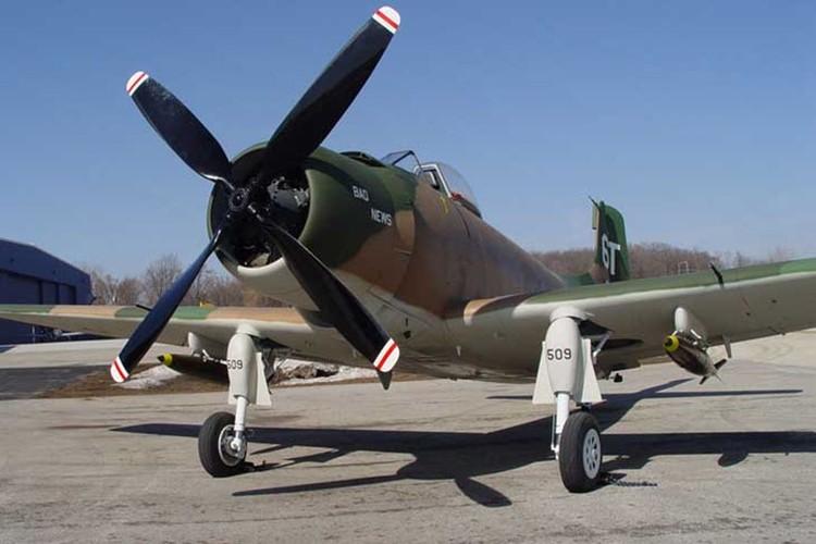 May bay cuong kich AD-1 Skyraider nhin tu nhieu goc do-Hinh-7