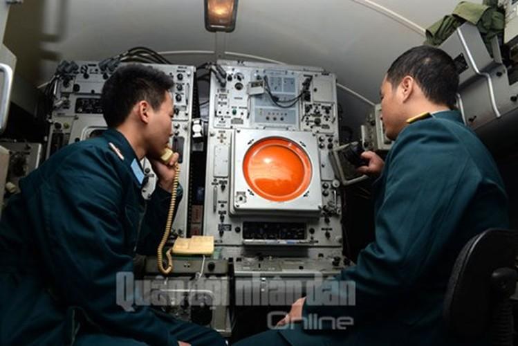 Muc kich may bay Su-30MK2 bay dem tren bau troi mien Bac-Hinh-13