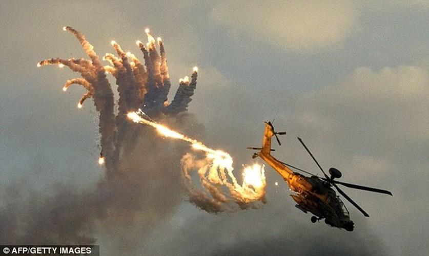 Can canh sieu truc thang Apache san lung IS o Syria-Hinh-9