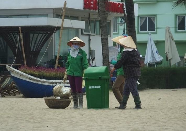 Lanh dao Sam Son phan tran vet nuoc thai den xa ra bai tam-Hinh-7