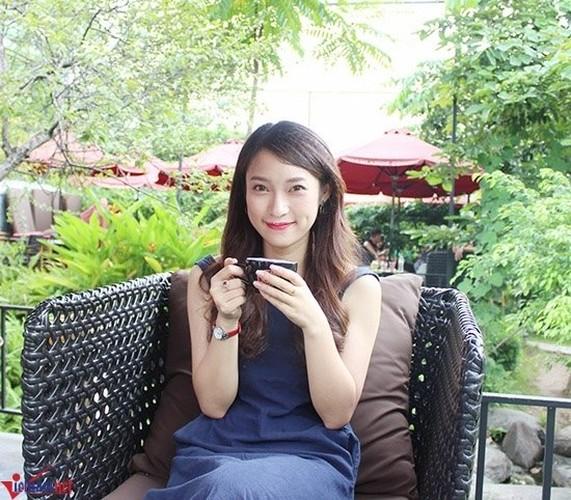 "Ve dep ""Hotgirl noi 7 thu tieng"" gio la MC chuyen nghiep cua VTV-Hinh-7"
