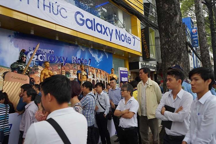 Ngung ban Samsung Galaxy Note 7, khach hang duoc boi thuong-Hinh-11