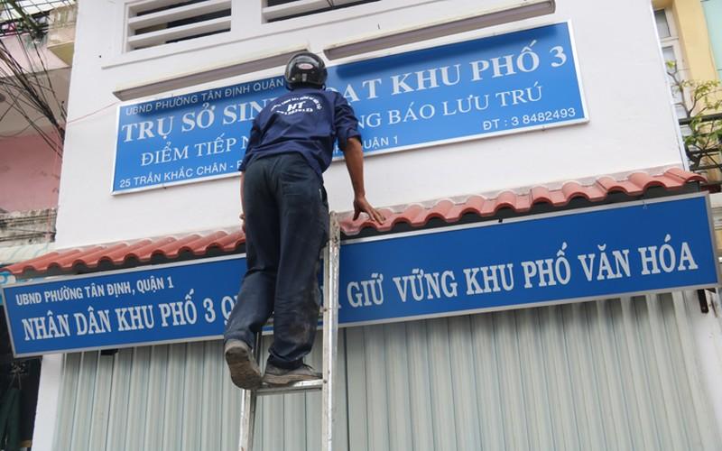 Anh: PCT quan 1 kien quyet dap bo tru so sinh hoat lan via he-Hinh-2