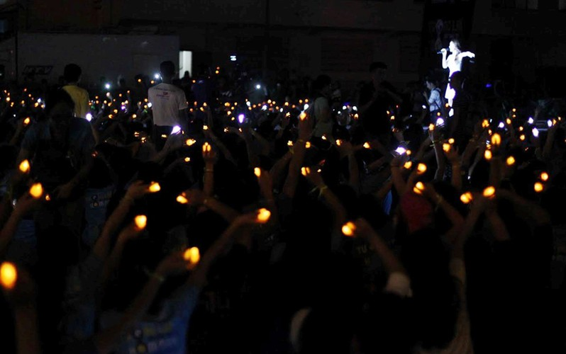TPHCM: Hang nghin ban tre huong ung Gio trai dat-Hinh-7