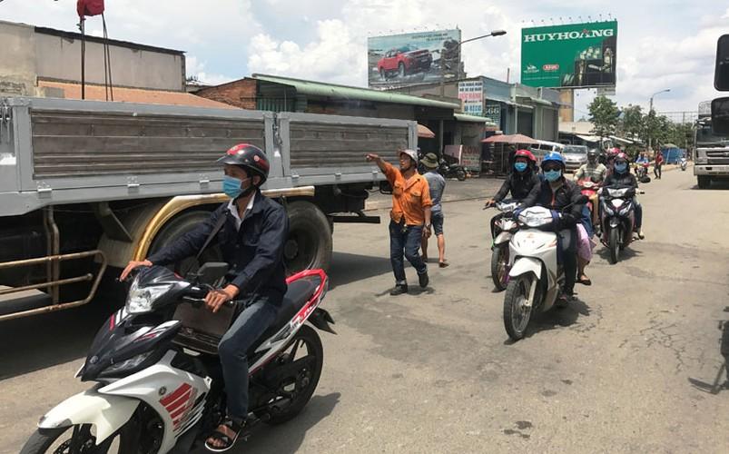 """Hang loat tai xe """"meu mao"""" vi dau xe an com bi phat 700 nghin!-Hinh-11"""