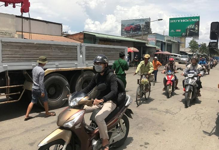 """Hang loat tai xe """"meu mao"""" vi dau xe an com bi phat 700 nghin!-Hinh-2"""
