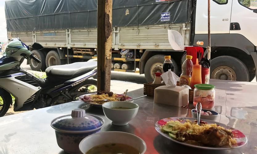 """Hang loat tai xe """"meu mao"""" vi dau xe an com bi phat 700 nghin!-Hinh-5"""