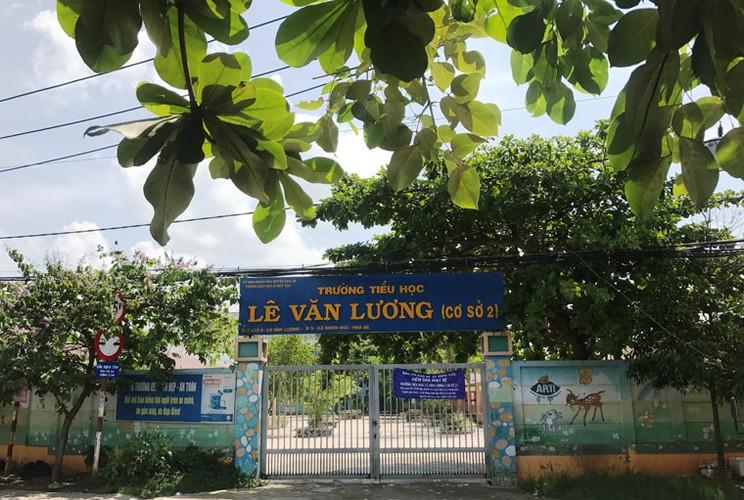 Can canh vet nut ven song dang de doa khu dan cu Sai Gon-Hinh-14
