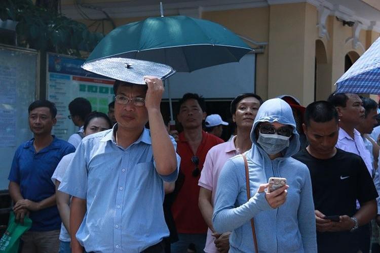 Anh: Ha Noi nang do lua, Sai Gon lai mua trang troi-Hinh-3