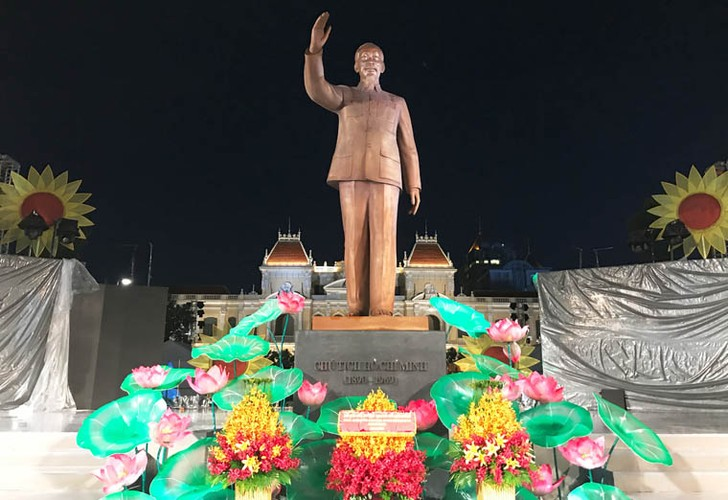 Pho phuong Ha Noi, TP.HCM soi dong chao don Quoc khanh 2/9-Hinh-20