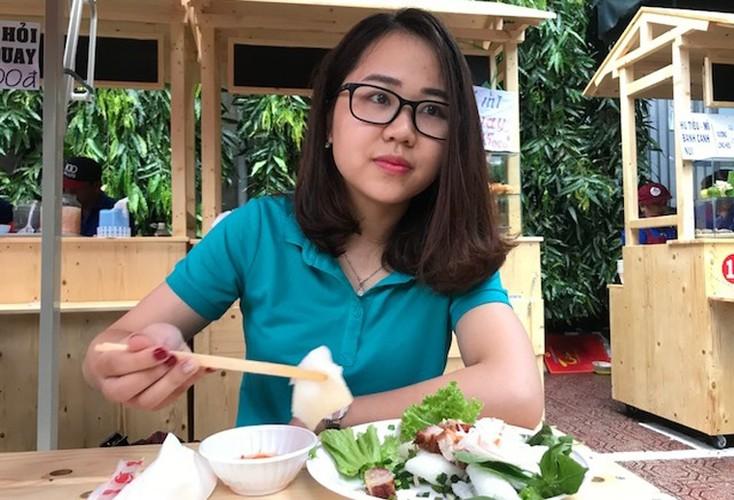 """Anh: Ong Doan Ngoc Hai """"mo hang"""" pho hang rong thu 2 o TPHCM-Hinh-12"""