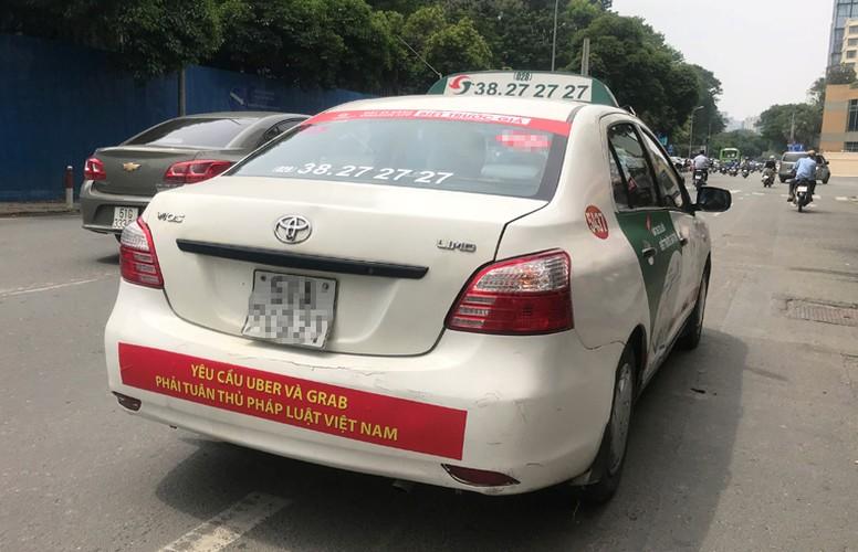 Bat chap du luan, VINASUN van treo bieu ngu chong Uber - Grab-Hinh-10