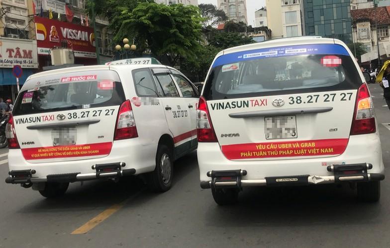 Bat chap du luan, VINASUN van treo bieu ngu chong Uber - Grab-Hinh-4