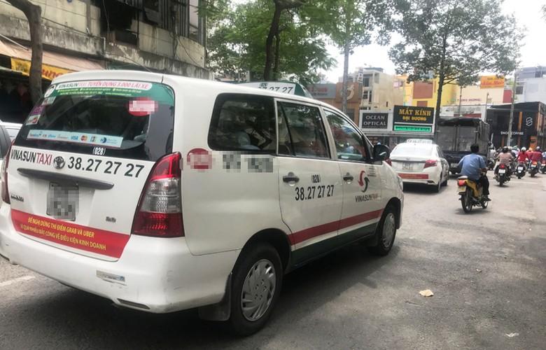 Bat chap du luan, VINASUN van treo bieu ngu chong Uber - Grab-Hinh-6