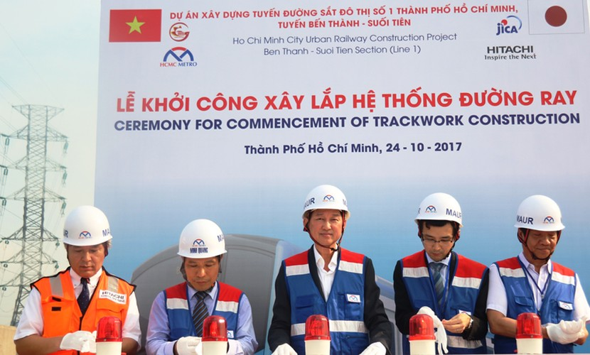 Can canh doan duong ray dau tien tren tuyen Metro Ben Thanh - Suoi Tien-Hinh-3