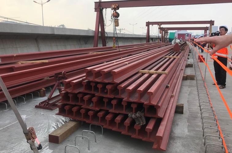 Can canh doan duong ray dau tien tren tuyen Metro Ben Thanh - Suoi Tien-Hinh-4