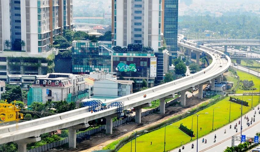 Can canh doan duong ray dau tien tren tuyen Metro Ben Thanh - Suoi Tien