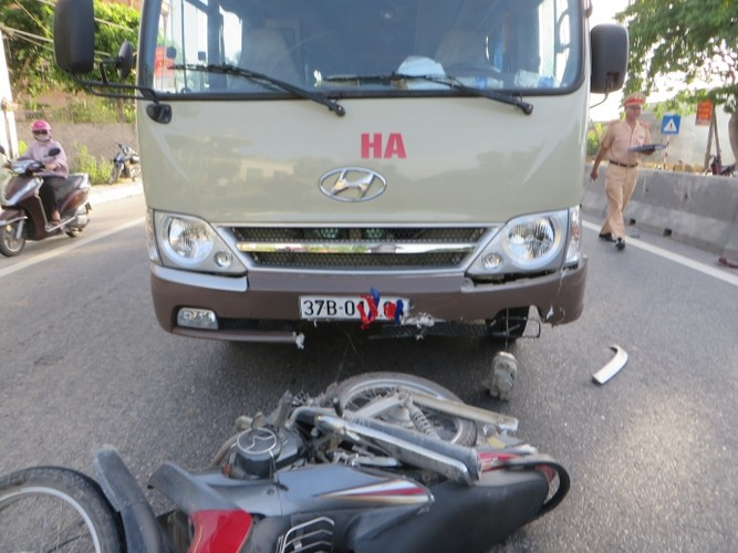 Nhung vu tai nan giao thong tham khoc tuan qua (24/1 - 30/1/2016)