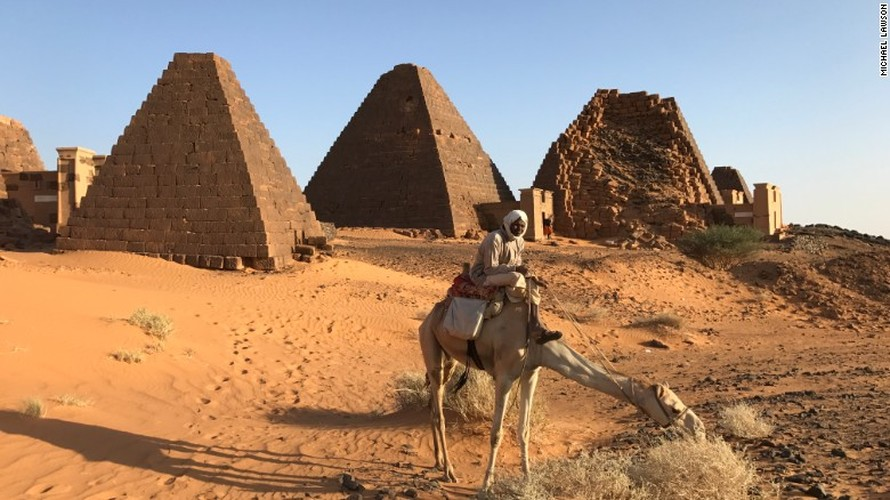 "Phat hien hang tram kim tu thap ""an minh"" o Sudan"