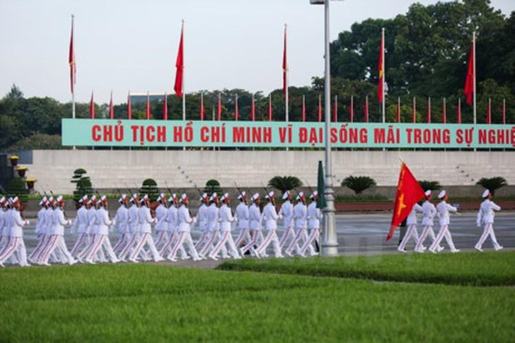 Xuc dong le chao co tai Quang truong Ba Dinh mung ngay 2/9-Hinh-10
