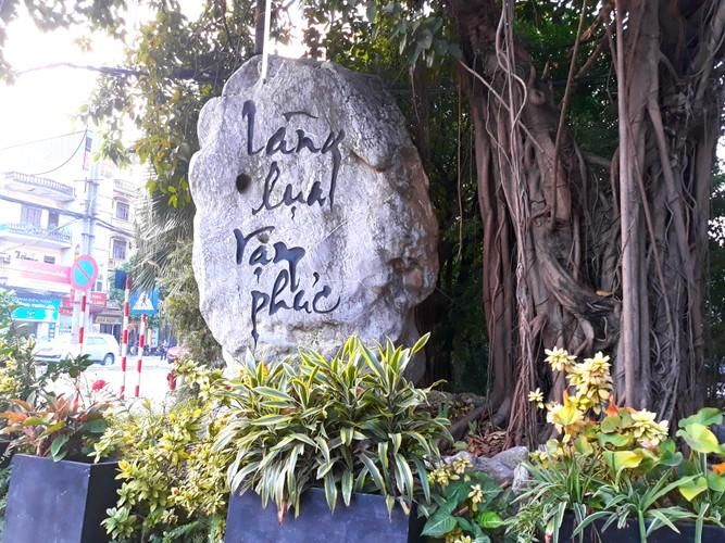 Lang lua Van Phuc bong dung dong khach nho... Khaisilk