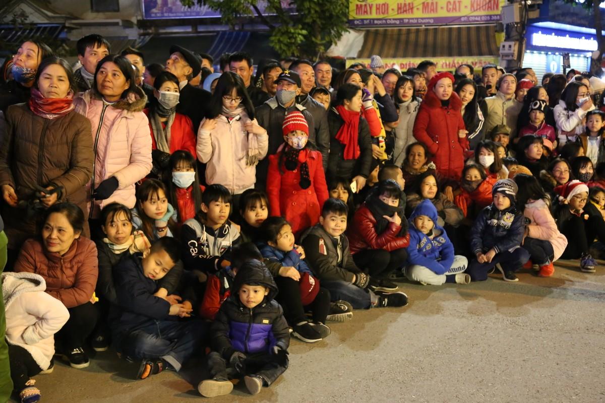 Anh: Hang nghin nguoi tham gia le hoi duong pho Carnaval Hai Duong-Hinh-17