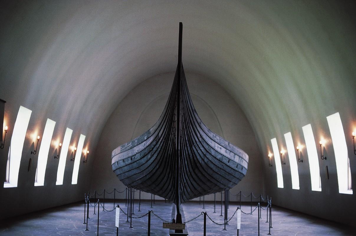 Lo dien con tau cua nguoi Viking dung mai tang nha vua?-Hinh-6