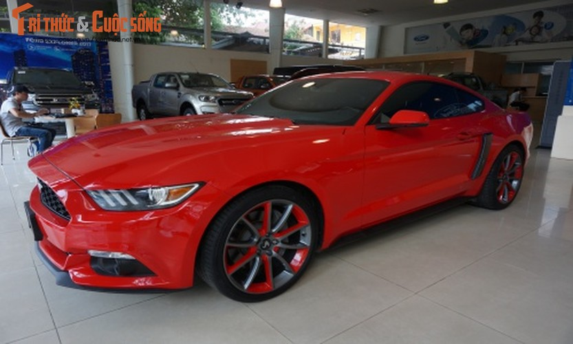 Chi tiet Ford Mustang gia hon 2 ty tai Sai Gon-Hinh-4